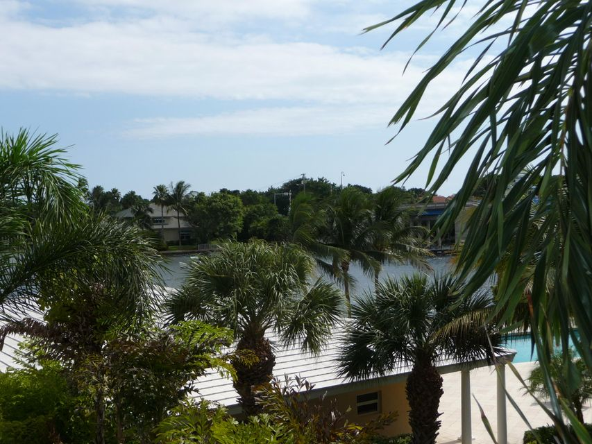 SNUG HARBOR GARDENS CONDO home 646 Snug Harbor Drive Boynton Beach FL 33435