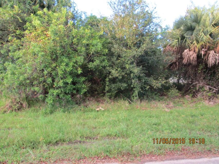 Terreno para Venda às 1073 SW Benschop Avenue 1073 SW Benschop Avenue Port St. Lucie, Florida 34953 Estados Unidos