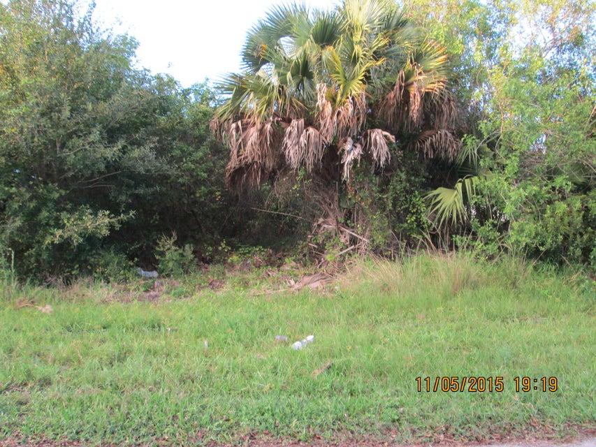 Additional photo for property listing at 1073 SW Benschop Avenue 1073 SW Benschop Avenue Port St. Lucie, Florida 34953 Estados Unidos