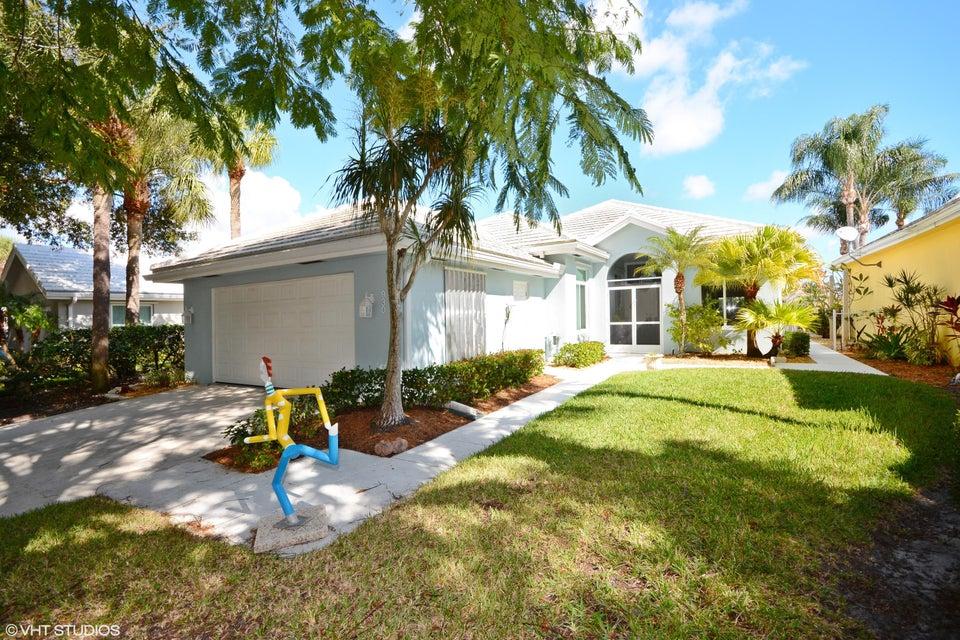 Maison unifamiliale pour l Vente à 930 Bear Island Circle West Palm Beach, Florida 33409 États-Unis
