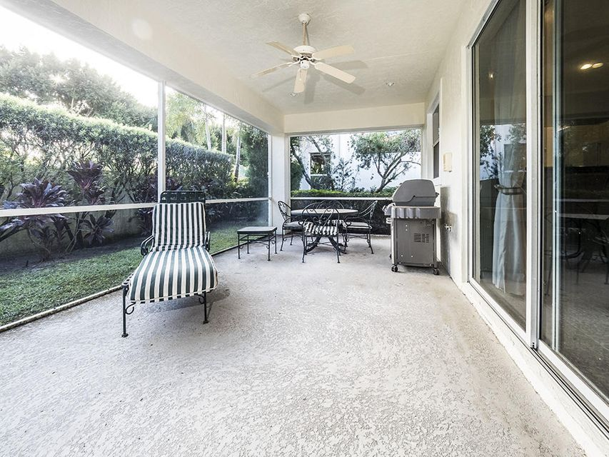 Additional photo for property listing at 8172 Sandpiper Way 8172 Sandpiper Way West Palm Beach, Florida 33412 United States