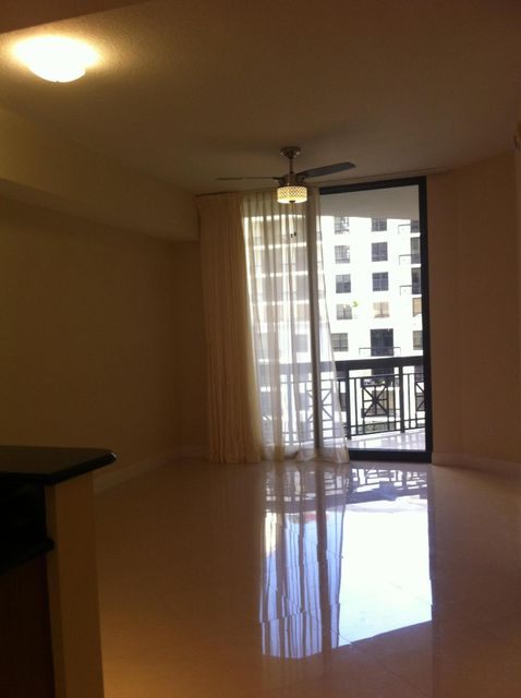 Additional photo for property listing at 701 S Olive Avenue 701 S Olive Avenue 西棕榈滩, 佛罗里达州 33401 美国