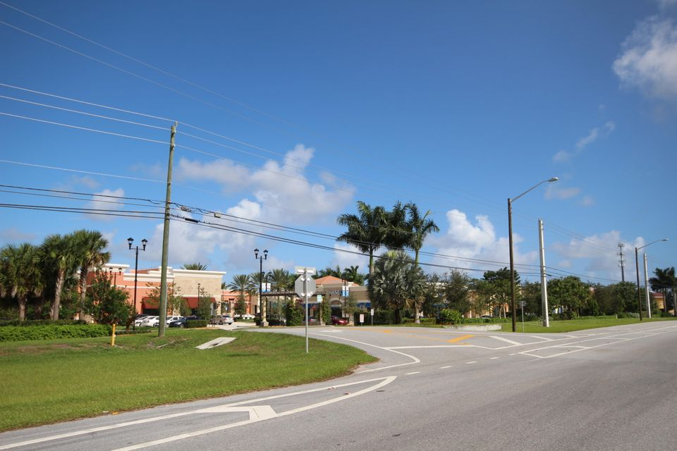 Additional photo for property listing at 9130 W Atlantic Avenue 9130 W Atlantic Avenue Delray Beach, Florida 33446 Vereinigte Staaten