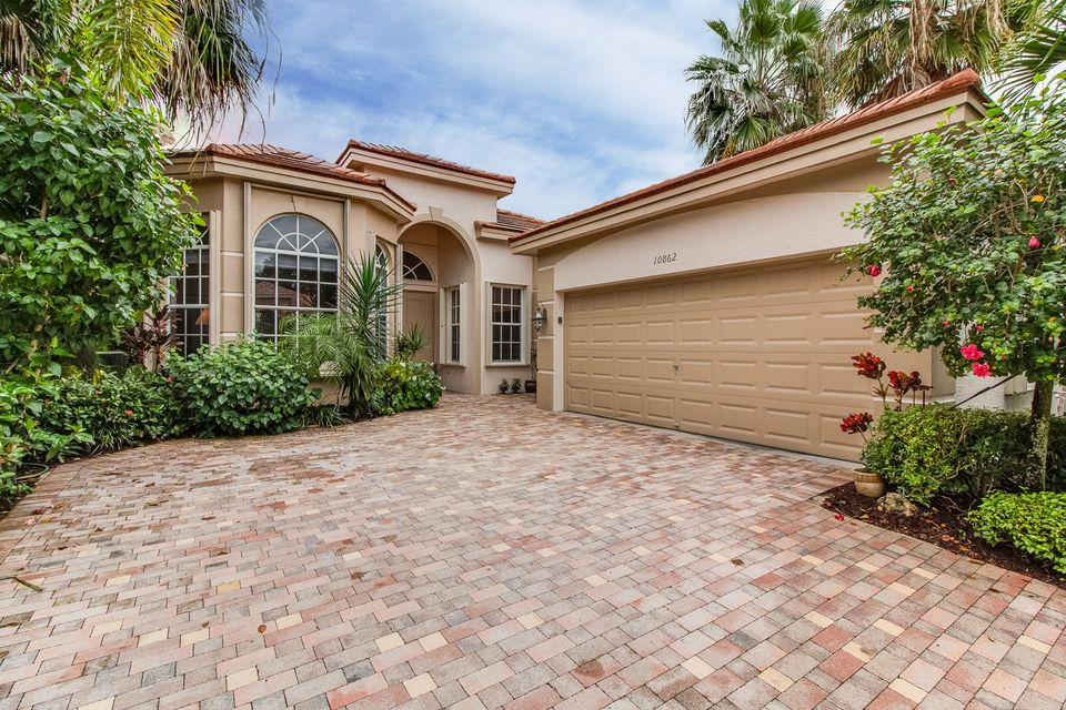 Single Family Home for Sale at 10862 Royal Devon Way 10862 Royal Devon Way Wellington, Florida 33449 United States