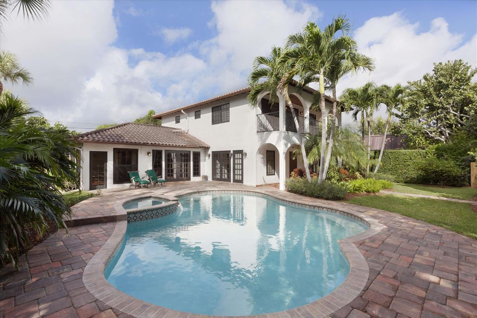 Palm trail neighborhood delray beach real estate for 8th ave terrace palm beach