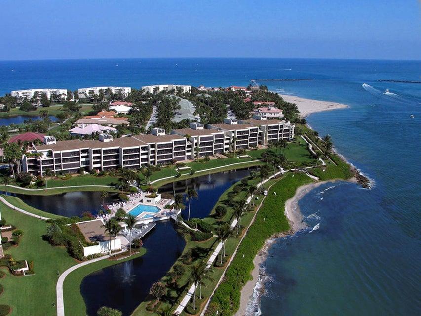 Co-op / Condo for Sale at 2814 SE Dune Drive Stuart, Florida 34996 United States