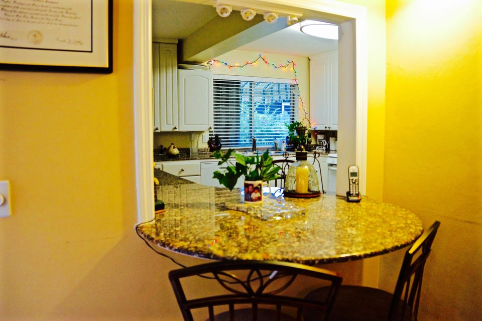 Additional photo for property listing at 1801 Hillcrest 1801 Hillcrest Lake Worth, 佛罗里达州 33461 美国