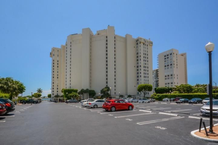 Co-op / Condo for Sale at 1801 S Flagler Drive West Palm Beach, Florida 33401 United States