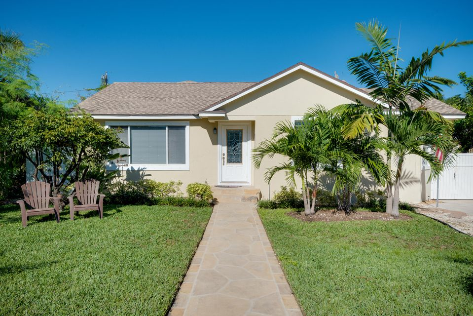 Additional photo for property listing at 141 Rutland Boulevard  West Palm Beach, Florida 33405 United States