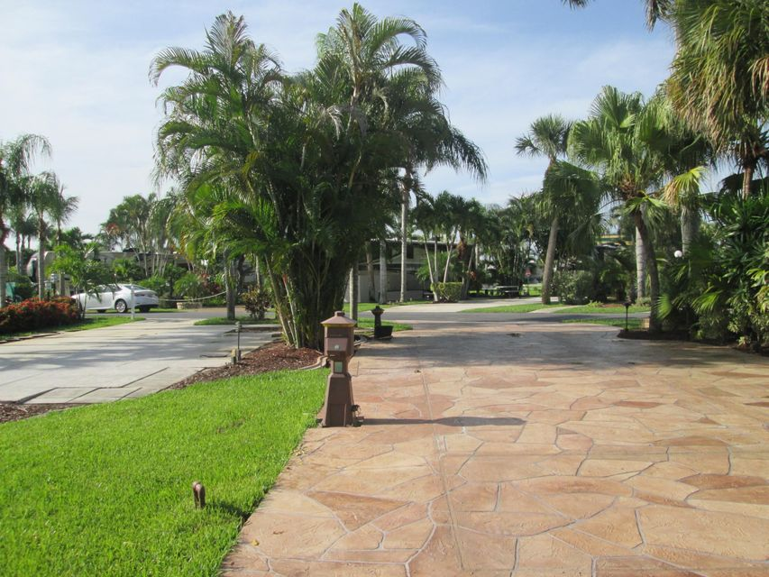 Additional photo for property listing at 6500 N Military Trail 6500 N Military Trail West Palm Beach, Florida 33407 Estados Unidos