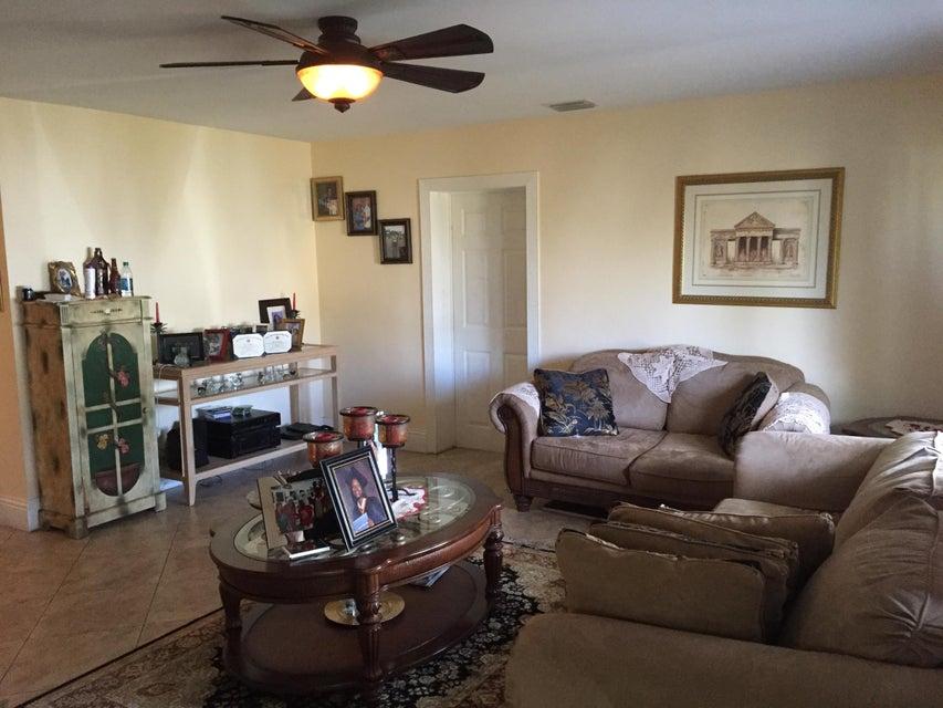 270 SW 3rd Street, Boca Raton, FL 33432