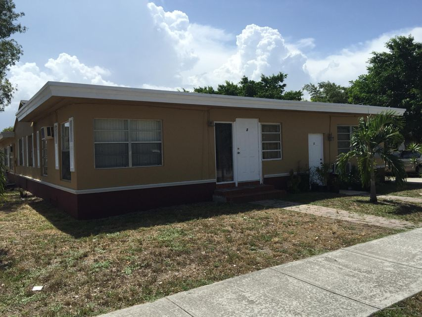 Home for sale in HOLLYWOOD PARK 4-19 B Hollywood Florida