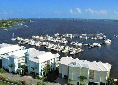HARBORAGE YACHT CLUB REAL ESTATE