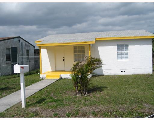 1660 W 26th Street, Riviera Beach, FL 33404