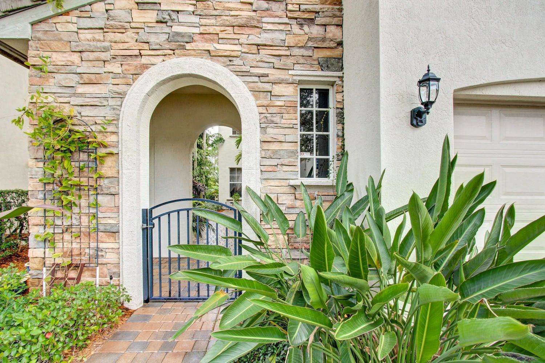 947 Mill Creek Drive Palm Beach Gardens Fl 33410 Rx 10205454 In Evergrene