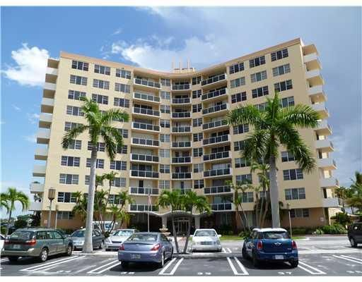 Co-op / Condo for Sale at 2800 N Flagler Drive West Palm Beach, Florida 33407 United States
