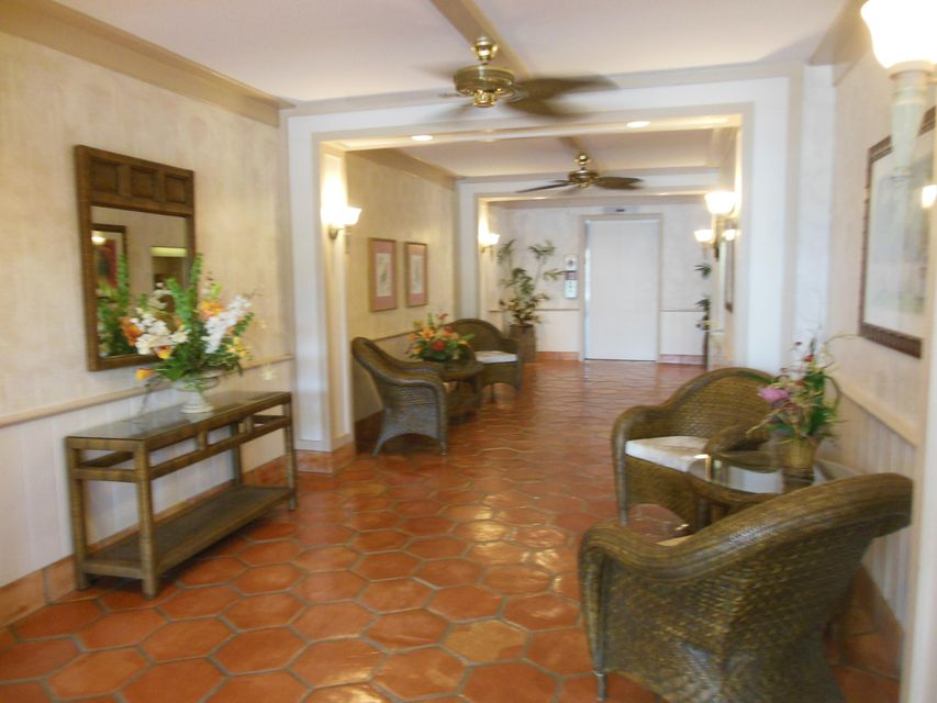 Additional photo for property listing at 225 Beach Road  Tequesta, Florida 33469 États-Unis