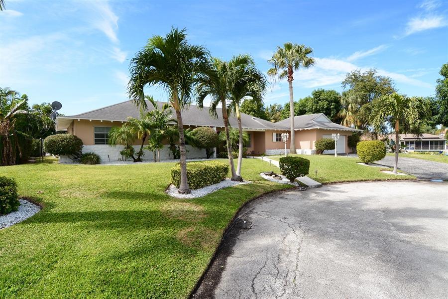 واحد منزل الأسرة للـ Sale في 14197 Harbor Lane Palm Beach Gardens, Florida 33410 United States