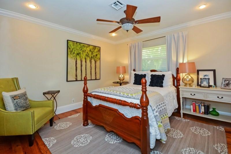 25 Guest Bedroom