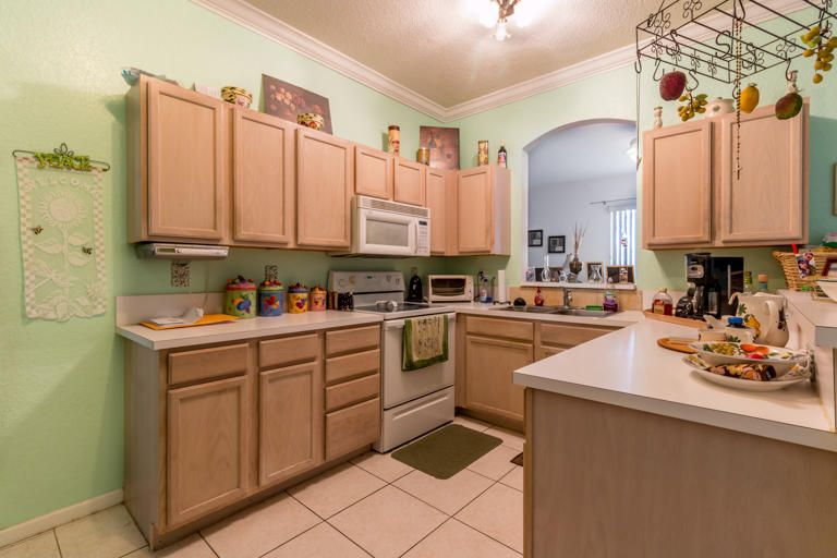 5618 NW 106th Kitchen