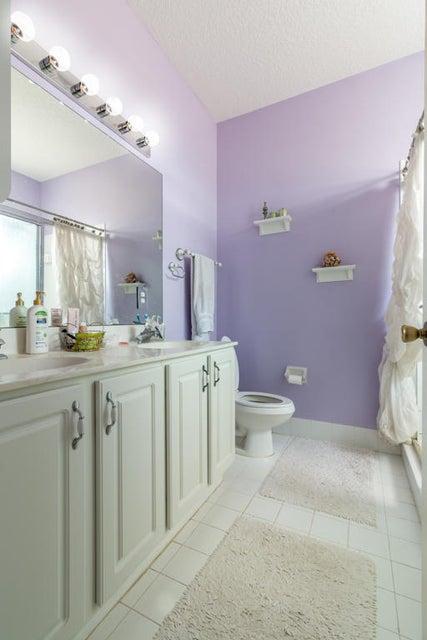 5618 NW 106th Mast Bath