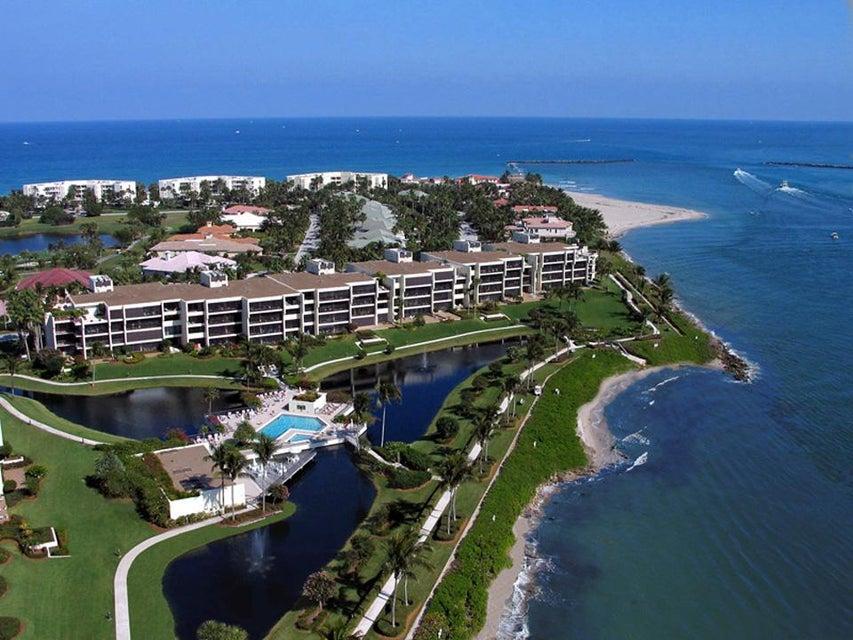 Konsum / Eigentumswohnung für Verkauf beim 2820 SE Dune 2820 SE Dune Stuart, Florida 34996 Vereinigte Staaten