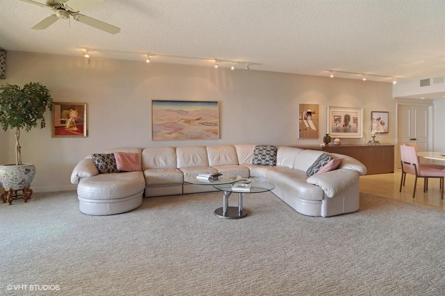 Additional photo for property listing at 2820 SE Dune 2820 SE Dune Stuart, Florida 34996 Vereinigte Staaten