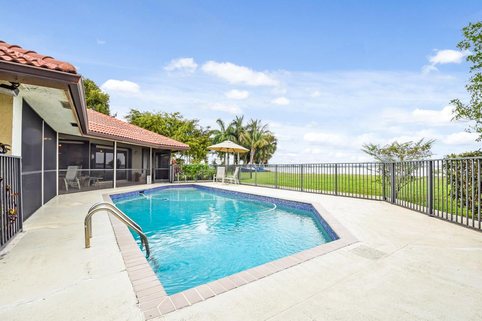 3420 Embassy Drive  West Palm Beach, FL 33401