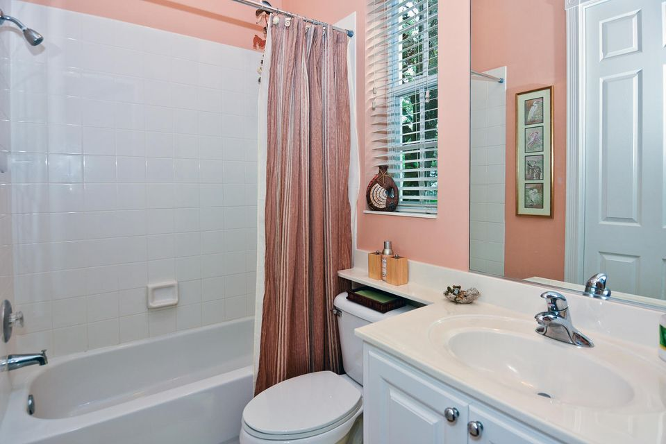 304 bougainvillea drive jupiter fl 33458 rx 10225337 in for Bathroom remodel jupiter fl