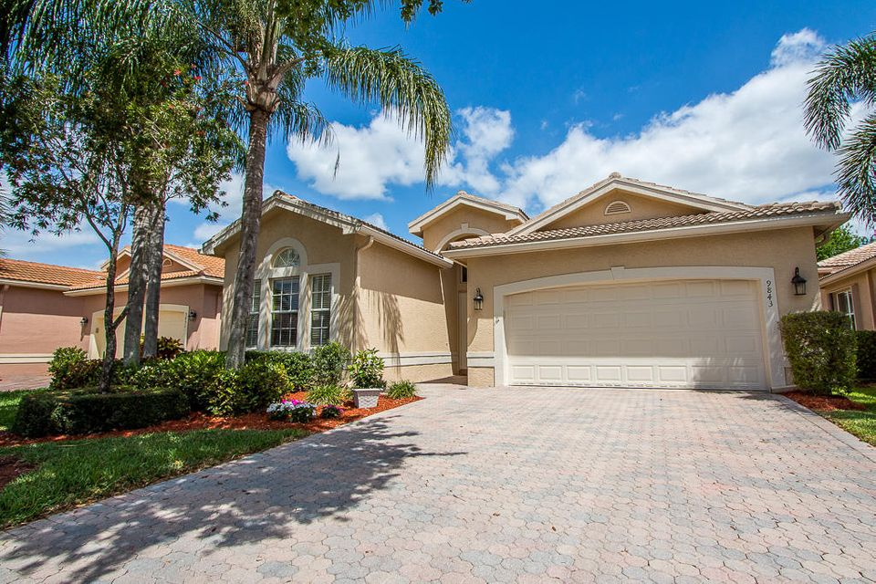 9843 Chantilly Point Lane, Lake Worth, FL 33467