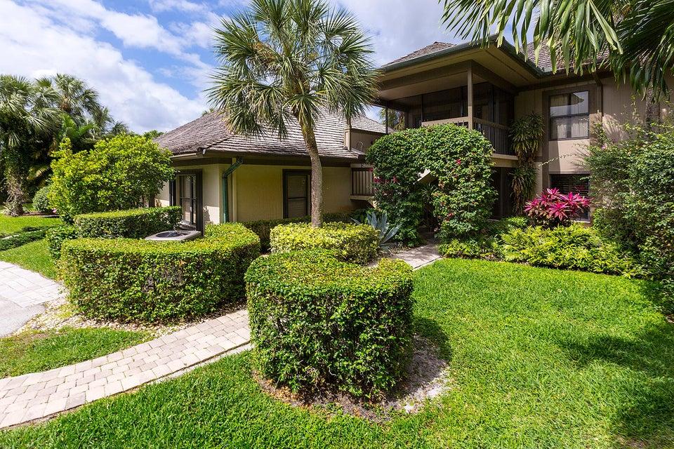 Konsum / Eigentumswohnung für Verkauf beim 2835 Polo Island Drive 2835 Polo Island Drive Wellington, Florida 33414 Vereinigte Staaten