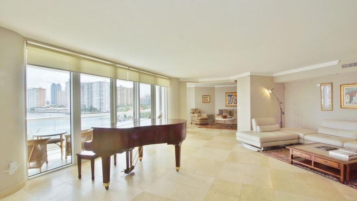 Co-op / Condo for Sale at 2600 Island Boulevard Aventura, Florida 33160 United States