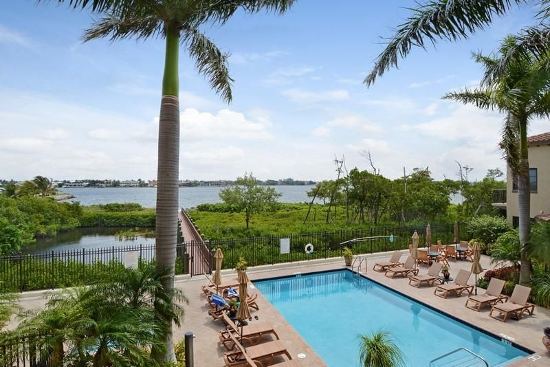 920 Via Villagio, Hypoluxo, FL 33462