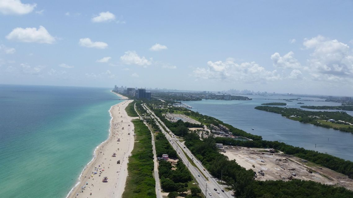 Co-op / Condo for Sale at 15811 Collins Avenue Sunny Isles Beach, Florida 33160 United States