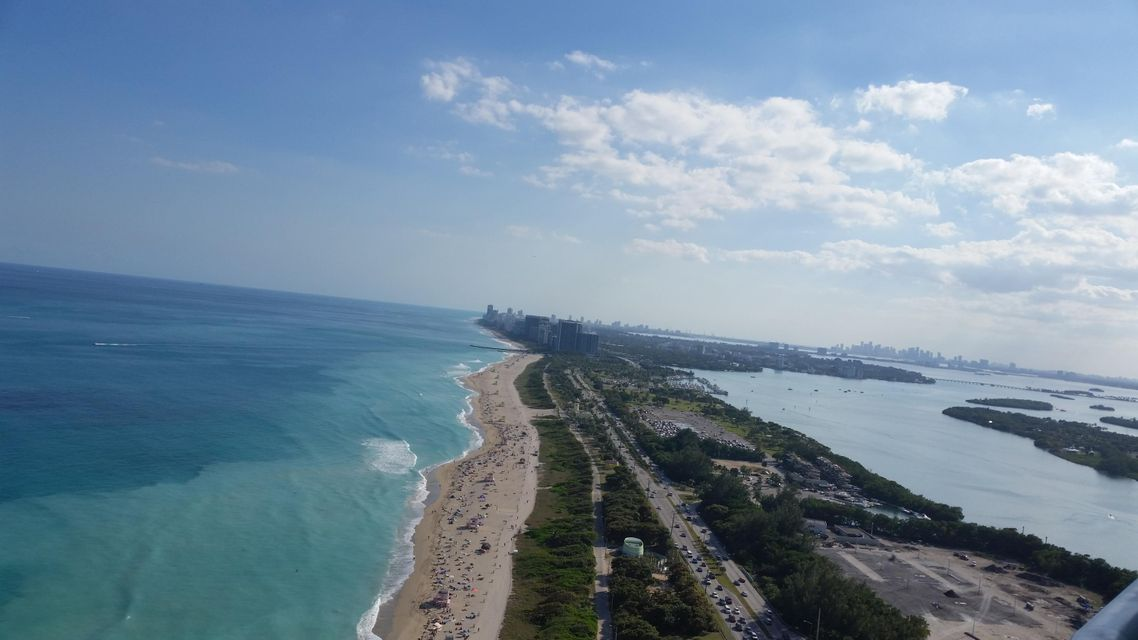 Additional photo for property listing at 15811 Collins Avenue  Sunny Isles Beach, Florida 33160 United States