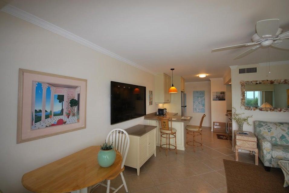 Additional photo for property listing at 150 N Ocean Boulevard 150 N Ocean Boulevard 德尔雷比奇海滩, 佛罗里达州 33483 美国