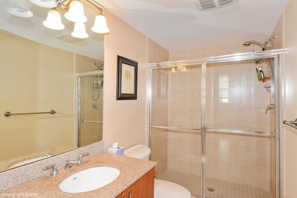 Additional photo for property listing at 610 Clematis Street  West Palm Beach, Florida 33401 United States