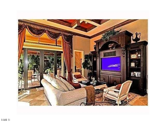 farache family room
