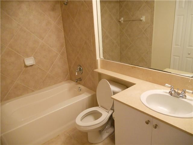 Additional photo for property listing at 700 E Boynton Beach Boulevard  Boynton Beach, Florida 33435 Estados Unidos