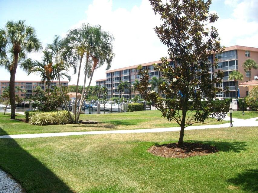 910 Dogwood Drive 146  Delray Beach FL 33483