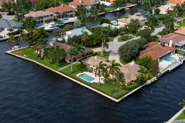 975 Allamanda Drive, Delray Beach, FL 33483