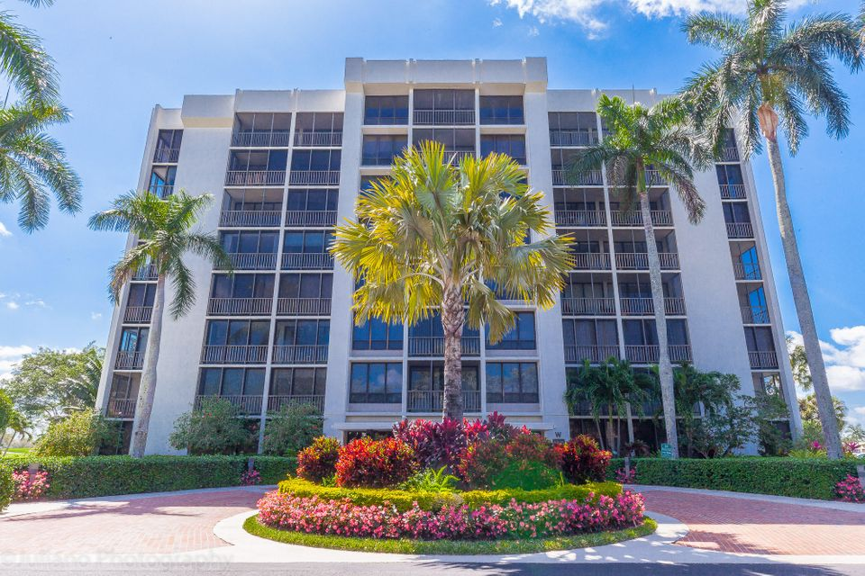 Co-op / Condo for Sale at 6805 Willow Wood Drive Boca Raton, Florida 33434 United States