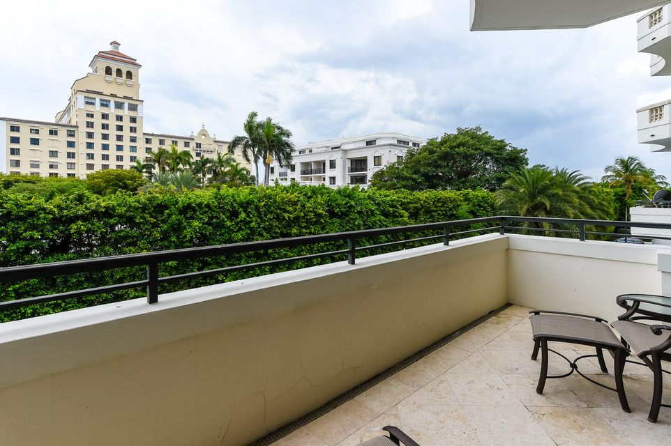 Additional photo for property listing at 300 Seminole Avenue 300 Seminole Avenue Palm Beach, Florida 33480 Estados Unidos