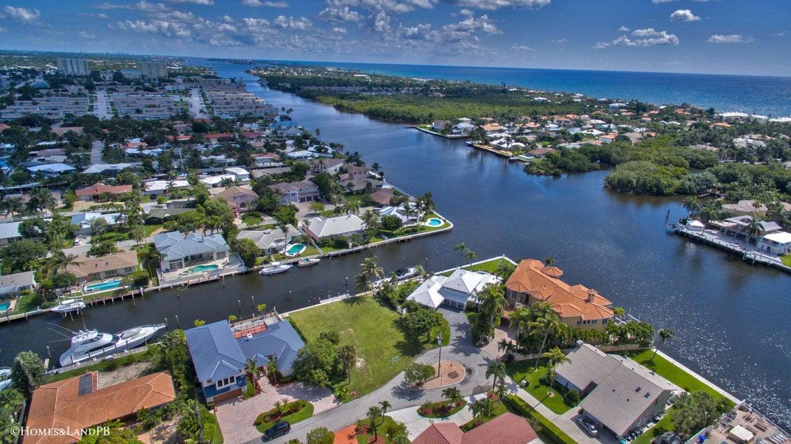 653 Riviera Drive, Boynton Beach, FL 33435