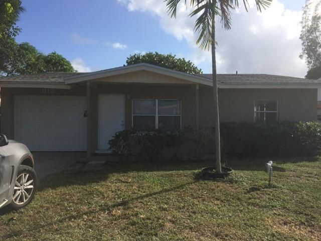 Single Family Home for Sale at 812 SW 3rd Court 812 SW 3rd Court Delray Beach, Florida 33444 United States