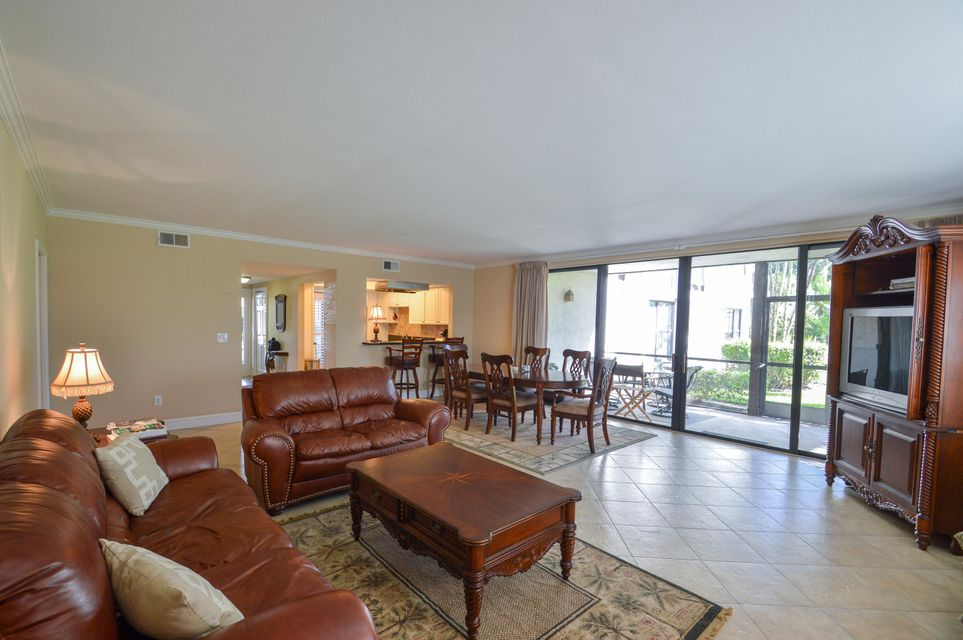 Additional photo for property listing at 13268 Polo Club Road 13268 Polo Club Road Wellington, Florida 33414 United States