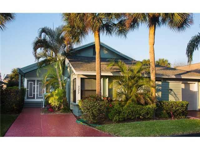 3277 NE Catamaran Terrace, Jensen Beach, FL 34957