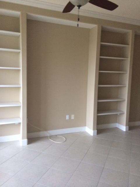 Additional photo for property listing at 20 Orange Avenue  Fort Pierce, Florida 34950 United States