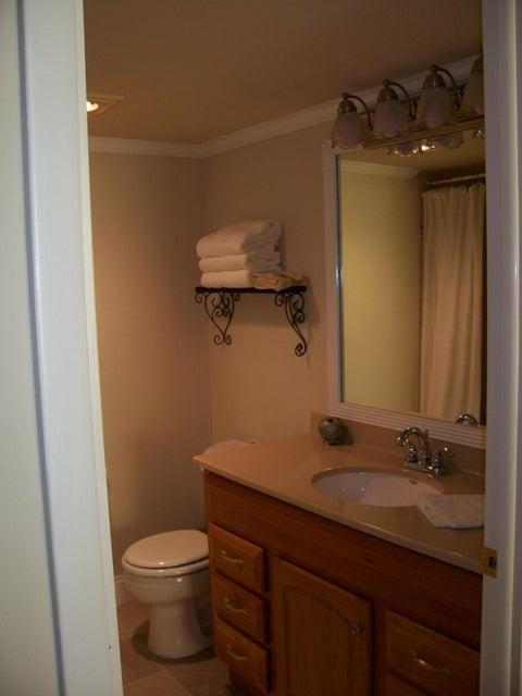 Boca Bayou #20-304 Master Bath Cabinet