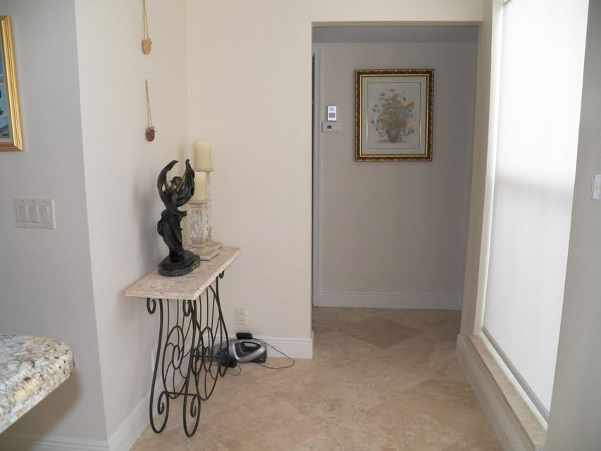Additional photo for property listing at 2051 NE Ocean Boulevard # A21 2051 NE Ocean Boulevard # A21 Stuart, Florida 34996 United States